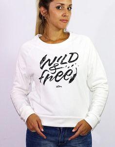 Buzo Blanco Estampado (Scombro)  $590.00 Graphic Sweatshirt, Sweatshirts, Sweaters, Fashion, Wraps, Moda, Fashion Styles, Trainers, Sweater