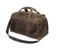 A distressed leather bag that offers a lot of space , ideal for travelling consists of two external side big pockets and adjustable leather strap.