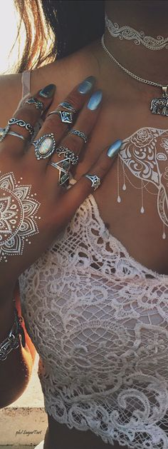 Boho Lace  ≫∙∙☮ Bohème Babe ☮∙∙≪• ❤️ Curated  by Babz™ ✿ιиѕριяαтισи❀ #abbigliamento #bohojewelry #boho