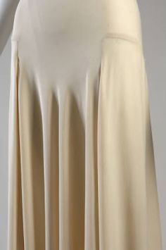 Evening gown (image 5)   Madeleine Vionnet   Paris   1932   bias-cut silk crepe   Chicago History Museum   Object #: 1975.145.2   According to Vionnet scholar Betty Kirke, however, this garment may actually be lingerie.