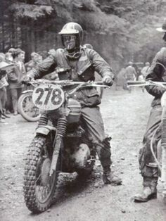 Steve McQueen and moto