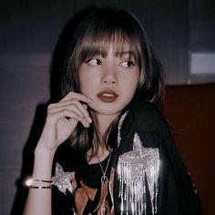 Blackpink Photos, Girl Photos, Kim Jennie, Lisa Blackpink Wallpaper, Lisa Bp, Blackpink Fashion, Blackpink Jisoo, Kpop Aesthetic, Ulzzang Girl