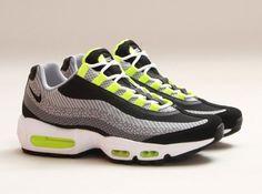 Nike Air Max 95 Jacquard - Neon Nike Heels 6e4c6809f85