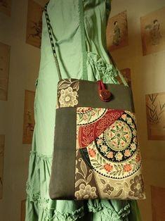 ジャパニーズデコ (1) Purse Patterns, Clothing Patterns, Japan Bag, Kimono Fabric, Linen Bag, Cute Bags, Japanese Kimono, Fabric Swatches, Handmade Bags
