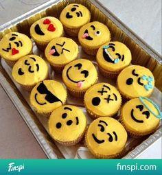 Emotikonki powołane do życia #food #funny #emoticons #babeczki #gotowanie