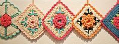 Crochet Motif Patterns, Crochet Potholders, Diy Crochet, Crochet Flowers, Pot Holders, Crochet Earrings, Sewing, Knitting, Fabric