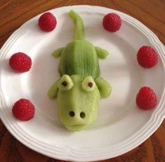 - / edgertonprinces / creative-food-art / BACK - Kiwi Croc! – / edgertonprinces / creative-food-art / BACK, - Cute Snacks, Cute Food, Good Food, Yummy Food, Healthy Food, Kid Snacks, Eating Healthy, L'art Du Fruit, Fruit Art