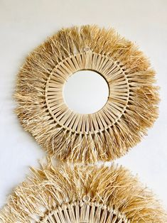 Boho Diy, Boho Decor, Raffia Crafts, Diy Mirror Decor, Macrame Mirror, Style Ethnique, Pine Cone Crafts, Macrame Design, Macrame Projects