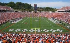 Fall Things to do in Charlottesville: Fall is Football Season so a UVA football game is a must see #PreppyPlanner