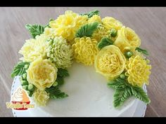 HOT CAKE TRENDS Buttercream White Christmas wreath cake - How to make by Olga Zaytseva - YouTube