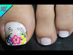 Beach Toe Nails, Flower Nails, Summer Nails, Pedicure, Nail Art Designs, Beauty Hacks, Finger, Nail Polish, Lily