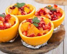 Salade de fruits rouges au jus de fruits de la passion en coque d'orange : http://www.fourchette-et-bikini.fr/recettes/recettes-minceur/salade-de-fruits-rouges-au-jus-de-fruits-de-la-passion-en-coque-dorange