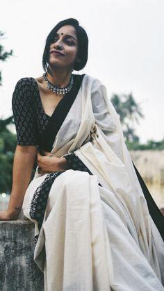 Gorgeous designer blouses with silk saree Read info on -- Sari Blouse, Kerala Saree Blouse Designs, Saree Blouse Patterns, Sari Dress, Cotton Saree Blouse, Onam Saree, Lehenga Saree, Indian Look, Indian Style