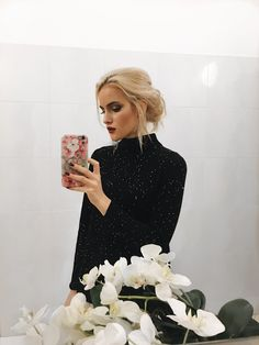 bathroom selfie Happy New Year, Dresses With Sleeves, Street Style, Selfie, Lifestyle, Bathroom, Long Sleeve, Beauty, Fashion