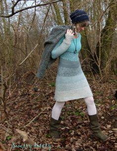 swetry doroty: Z Alpaki Knitting Patterns Free, Knit Patterns, Hand Knitting, Blue And White Dress, How To Purl Knit, Knit Picks, Knit Dress, Lana, What To Wear