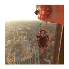 um bom dia bem maravilhoso, direto de Chicago! ⛅️☀️✈️ #milacoelhopelomundo #milacoelho #chicago #colares #colar #colardodia #fashion #trend #acessórios #fashionjewelry #moda #bijoux #atacado #varejo