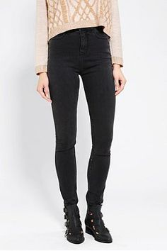 BDG Twig Super High-Rise Jean - Washed Black