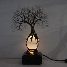 Full Moon rising Wire Tree Of Life lamp