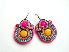 Camaleón - soutache de Bajobongo por DaWanda.com Black Earrings, Statement Earrings, Drop Earrings, Soutache Earrings, Crochet Earrings, Jewelry Accessories, Women Jewelry, Wedding Earrings, Beading Tutorials