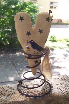 Primitive Heart Crow and Star Make-do. Etsy.