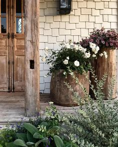 Exterior Home Renovation Ideas to Increase the Curb Appeal of Your Home - Ribbons & Stars Farmhouse Garden, Country Farmhouse Decor, French Country Decorating, Farmhouse Style, Craftsman Style Porch, Landscape Design, Garden Design, Small Front Porches, Front Porch Flowers