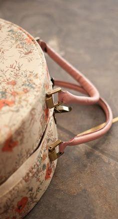 Der Hutkoffer ist ein Muss für alle Vintage- und Hutfans.