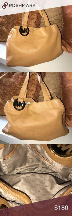 MICHAEL KORS British tan shoulder bag Michael Kors shoulder bag in British Tan and gold accents Michael Kors Bags Shoulder Bags