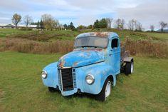 Abandoned vintage truck at cider farm