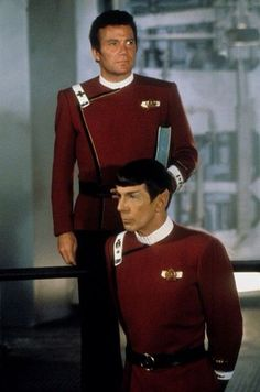 Admiral Kirk inspecting his crew on a mock bridge after the Kobayashi Maru test while Captain Spock looks on in the opening of Star Trek II: The Wrath Of Khan Star Trek 1, Khan Star Trek, Star Trek Crew, Star Trek Enterprise, Nave Enterprise, Star Trek Original Series, Star Trek Series, Spock And Kirk, Star Trek Images