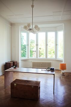 Freunde von Freunden — Boris Radczun — Unternehmer und Gastronom, Apartment, Berlin-Tiergarten — http://www.freundevonfreunden.com/interviews/boris-radczun/