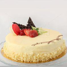 Tortul combina gustul ciocolatei albe cu savoarea fructelor proaspete de zmeura. Zmeura da un gust racoritor prajiturii si accentueaza savoarea ciocolatei albe. Tortul Pearl & Ruby va rasfata cu un gust fin de frisca si zmeura proaspata. Decorul si forma pot fi la alegerea dumneavoastra.  Pearl - deliciul ciocolatei albe si Ruby - gust puternic de zmeura se amesteca capatand o infatisare demna de orice ocazie. Doritos, Pearls, Cake, Sweet, Desserts, Food, Candy, Tailgate Desserts, Deserts