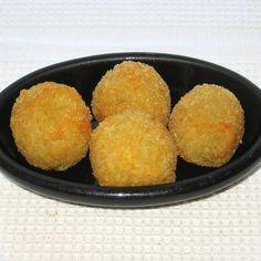 Russian/Ukrainian Pampushki Recipe: Russian/Ukrainian Pampushki - Potato Balls Stuffed with Cheese