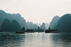 Halong Bay by si ying