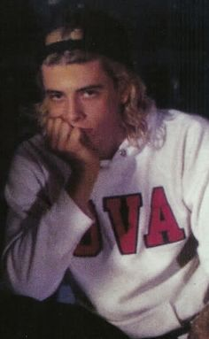 I think blonde Dave is pretty hot Foo Fighters Nirvana, Foo Fighters Dave Grohl, Scott Weiland, Chester Bennington, Nirvana Kurt Cobain, Beautiful Boys, Rock Bands, Rock N Roll, Camilla