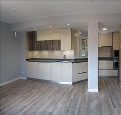 Efecto de cocina integrada en salón, posibilidad de diseño de amueblamiento.