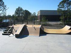University of North Florida Skatepark - Spohn Ranch Skateparks . Backyard Skatepark, Skateboard Ramps, Skate Ramp, Sun Lounger, Playground, Florida, Exterior, Urban, Outdoor Decor