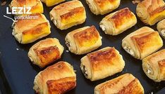 Mini Mini Katmer Börek nasıl yapılır? Mini Mini Katmer Börek Tarifi için malzeme listesi, kalori bilgisi, detaylı anlatımı, tarife ait fotoğraf ve yapılış videosu için tıklayınız. (324 kalori) Gönderen: semadanlezzetler Hot Dog Buns, Hot Dogs, Hamburger, Muffin, Bread, Breakfast, Recipes, Food, Bulgur
