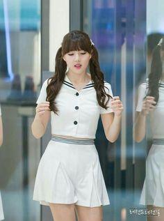 Kpop Girl Groups, Korean Girl Groups, Kpop Girls, Cloud Dancer, G Friend, Beauty Women, Women's Beauty, South Korean Girls, Short Dresses