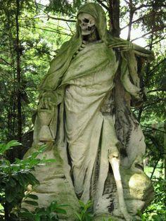 Creepy // The Grim Reaper, August Schmiemann, Melaten-Friedhof Cemetery, Köln. Cemetery Statues, Cemetery Headstones, Old Cemeteries, Cemetery Art, Graveyards, Bonaventure Cemetery, Memento Mori, La Danse Macabre, The Grim
