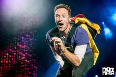 Chris Martin during Coldplay's show in Colombia [revistabombea] Coldplay Tour, Coldplay Concert, Chris Martin, John Martin, Great Bands, Cool Bands, Florence The Machines, Blink 182, Viva La Vida