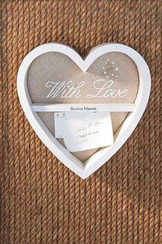 Der With Love Memory Frame von Rivièra Maison. Erhältlich bei www. Shabby Vintage, My Home Design, House Design, Rivera Maison, Love Decorations, Decor Ideas, Memory Frame, Provence Style, Love Frames