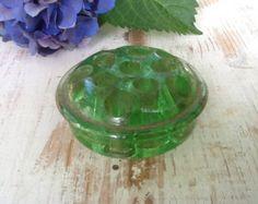 Green Flower Frog / Florist Frog