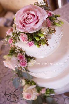 Southern Minnesota Wedding Photographer  www.kyleenolsonphotography.com