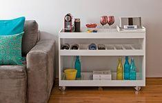 Seja de forma funcional ou decorativa, o aparador é uma peça coringa na decoração. Ajuda a dividir os ambientes e dar apoio em várias situações. Veja o post completo no Eu Capricho!