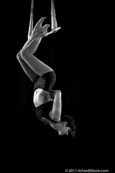 This heel hang on a static trapeze makes my feet hurt just looking at it.     seasunsky:  Emily Tucker