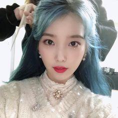 Korean Star, Korean Actresses, Popular Music, Queen, Celebs, Celebrities, Korean Beauty, K Idols, Blue Hair