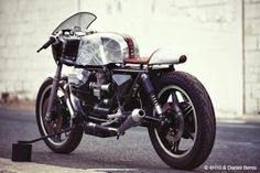 RocketGarage Cafe Racer: MOTO GUZZI « MIDNIGHT PHOENIX »