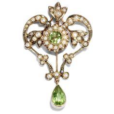Englischer Jugendstil: Anhänger aus Gold, Perlen & PERIDOT, um 1900 Saatperlen