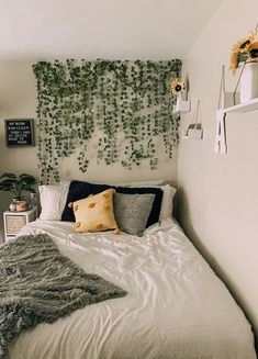 Cute Bedroom Decor, Room Design Bedroom, Teen Room Decor, Room Ideas Bedroom, Small Room Bedroom, Bedroom Inspo, Cozy Room, Aesthetic Bedroom, Dream Rooms