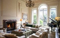 Everyone and their brother has written about designer and antiquarian Rose Uniacke's London townhouse. Interior Garden, Interior And Exterior, Interior Design, Rose Uniacke, Rose House, London Townhouse, Window Design, Drawing Room, House Design